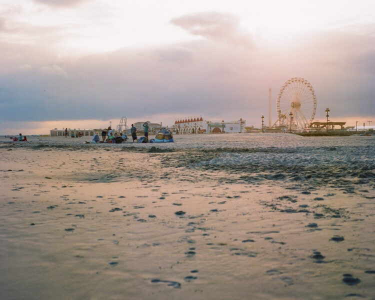 The ferris wheel at sunset