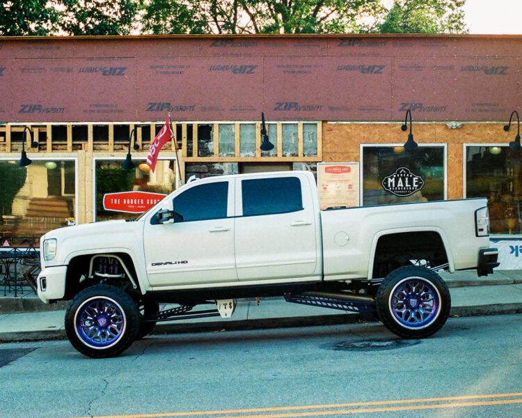 A white truck in Souderton, PA